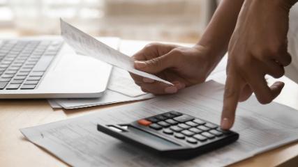 El análisis del período promedio de cobro permite conocer la frecuencia en días con la que se recauda la cartera.