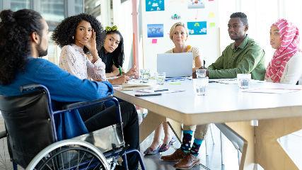 Importancia de promover un ambiente inclusivo en empresas